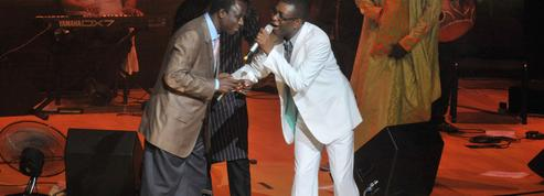 50 millions d'euros en faux billets : le chanteur sénégalais Thione Seck condamné en appel
