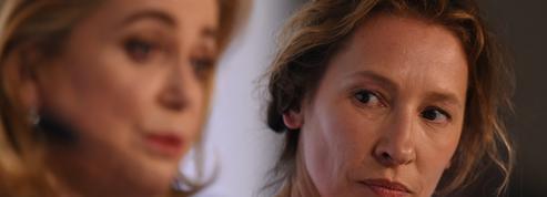 «Il lui fallait du temps» : Emmanuelle Bercot se réjouit du retour de Catherine Deneuve sur son tournage