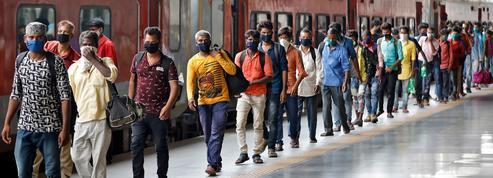 Inde: une centaine de cas de Covid-19 après un mariage suivi de funérailles