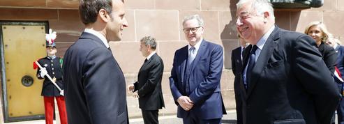 Décentralisation : Gérard Larcher remet 50 propositions à Emmanuel Macron