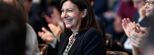 Anne Hidalgo est élue maire de Paris et s'entoure d'une armée de 37 adjoints