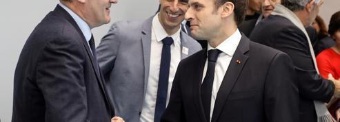 Remaniement : quand Macron contredit (déjà) Castex
