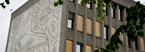 À Oslo, le périlleux déplacement des fresques murales de Picasso
