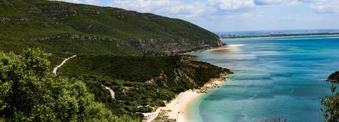 Cinq plages secrètes du Portugal pour profiter des vacances loin des foules