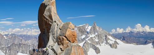 Chutes de pierres au Mont-Blanc: la préfecture appelle à la prudence