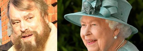 Elisabeth II a un faible pour les super-héros en costume moulant et bariolé