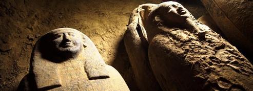 Treize sarcophages vieux de 2500 ans découverts à Saqqarah, en Égypte