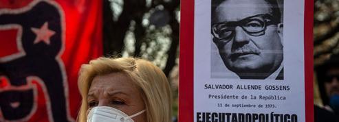 Chili: hommage à Allende, un an après le début de la crise sociale