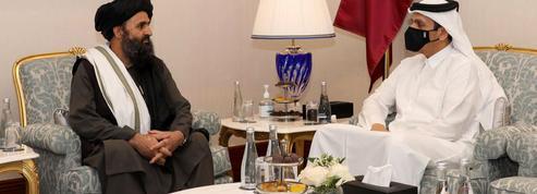 Afghanistan : première journée de pourparlers historiques entre le gouvernement et les talibans au Qatar