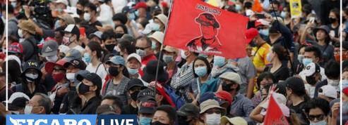 Des milliers de manifestants dans Bangkok pour une démonstration de force contre le gouvernement