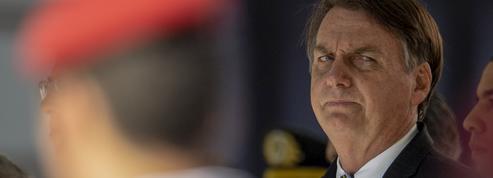 Brésil: Bolsonaro opéré avec succès pour un calcul rénal