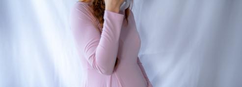 L'accouchement au temps du Covid : des femmes dénoncent le port du masque