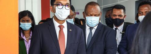Madagascar: après la tisane «miracle», Rajoelina lance des gélules contre le Covid-19