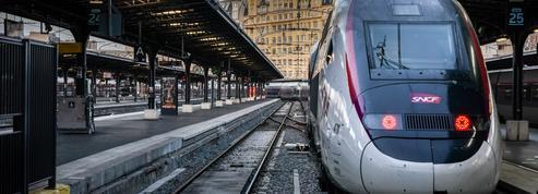 Ouverture des ventes de Noël à la SNCF : trois choses à savoir avant de réserver ses billets de train