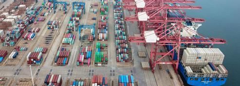 Le commerce mondial chutera moins que prévu