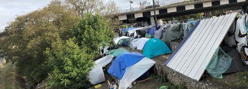 Migrants: à Saint-Denis, tensions et violences exacerbées dans le «camp de la honte»