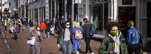 EN DIRECT - Coronavirus: un nouveau tour de vis attendu mercredi en France
