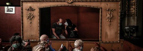 «Macron est en train de tuer les salles de spectacle», stupeur et désespoir de la culture face au couvre-feu