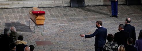 EN DIRECT - Hommage à Samuel Paty: Il «était de ces professeurs que l'on n'oublie pas» affirme Emmanuel Macron