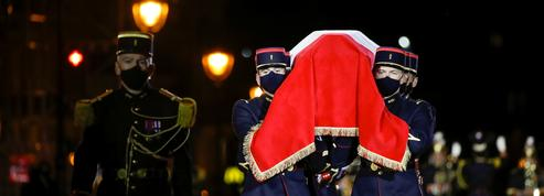 EN DIRECT - 11 Novembre : après l'anniversaire de l'Armistice de 1918, Emmanuel Macron préside l'entrée au Panthéon de Maurice Genevoix