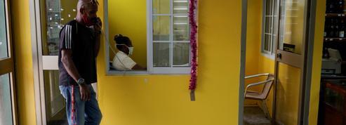Menacé de sanctions, Western Union fermera boutique à Cuba le 23 novembre