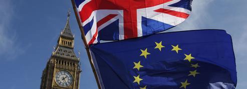 Un Brexit sans accord divisera par plus de deux la croissance au Royaume-Uni, selon une étude
