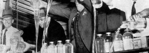 Deux New-Yorkais retrouvent dans le plancher de leur maison du whisky du temps de la prohibition