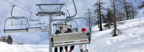 Interdiction de skier en dehors des frontières : une mesure qui suscite incompréhension et quolibets