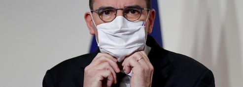 «Où sont mes lunettes ?» : ces quelques secondes surréalistes où Jean Castex les cherche alors qu'elles sont sur son nez