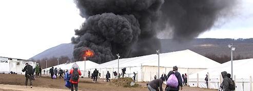 Bosnie : un camp pour les migrants détruit par un incendie