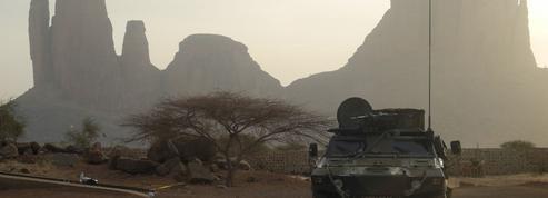 Mali : la France annonce une frappe sur des dizaines de djihadistes, des villageois parlent de victimes civiles