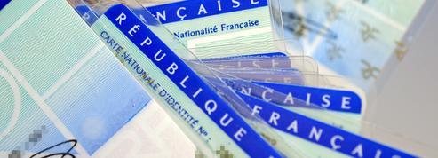 Business, sécurité, course à l'innovation : dans les coulisses de la création de la future carte d'identité