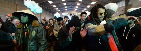 En ces temps de crise sanitaire, le bras de fer entre les fêtards et les autorités se durcit