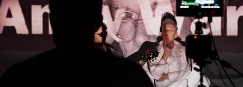 Plastic Bertrand en fan inconditionnel de David Bowie et Andy Warhol pour son dernier clip