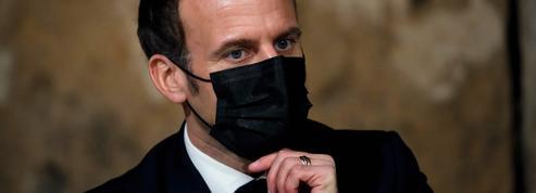 Macron répond aux critiques sur la vaccination : «Ça prend plus de temps qu'un tweet»