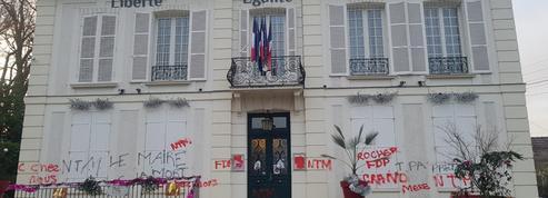 Essonne : un maire trouve des tags d'insultes et de menaces de mort sur sa mairie