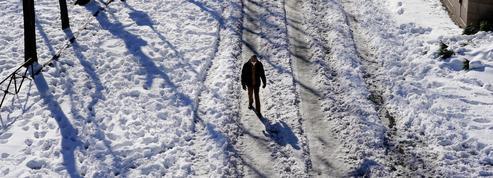 Un chirurgien a parcouru 17km dans la neige pour rejoindre son hôpital à Madrid