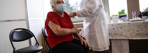 Line Renaud vaccinée, «un acte de solidarité collective» selon elle