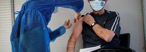EN DIRECT - Covid-19 : 2,5 millions de Français auront reçu au moins une dose de vaccin fin février