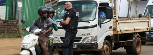 Mayotte: des renforts envoyés pour faire respecter le confinement et lutter contre l'immigration illégale