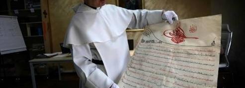 Un manuscrit du XIVe siècle, sauvé des mains des jihadistes, présenté au pape