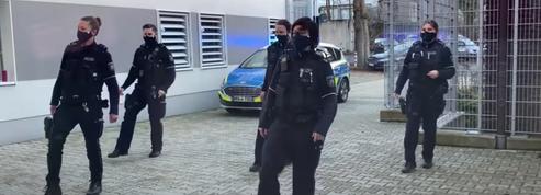 La police allemande obligée de payer des droits d'auteur à Warner pour un «Jerusalema challenge»