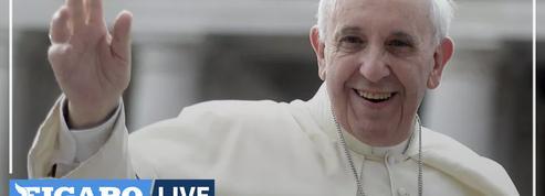 Le pape François «condamne le vil enlèvement» de 317 adolescentes au Nigeria
