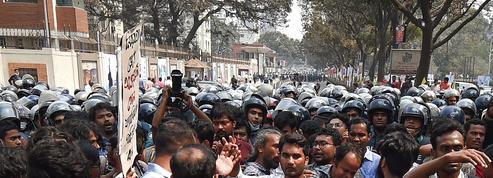 Bangladesh : nouvelles manifestations après le décès d'un écrivain, l'ONU demande une enquête