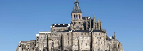 Manche : ils tentent d'escalader l'abbaye du Mont-Saint-Michel et se font interpeller