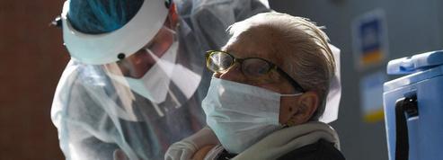 USA: la vaccination anti-Covid s'ouvre aux 60 ans et plus