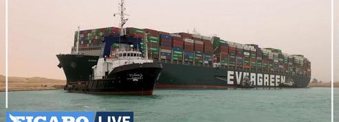 Canal de Suez : dégager le navire échoué pourrait prendre des semaines