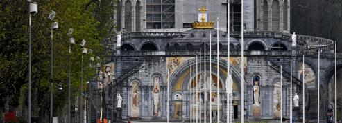 Week-end pascal à Lourdes: des pèlerins quasi absents mais des audiences qui explosent