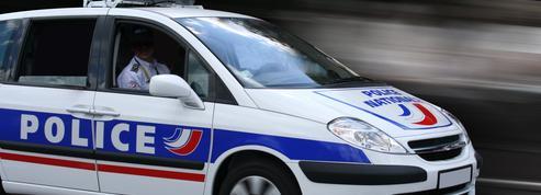 Isère : enfermée dans le coffre, elle saute de la voiture en marche