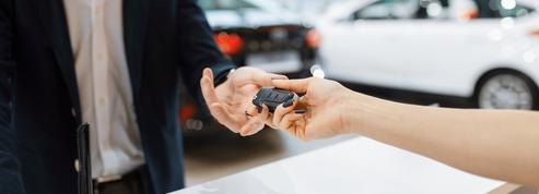 Royaume-Uni: le marché auto rebondit un peu mais les ventes restent déprimées